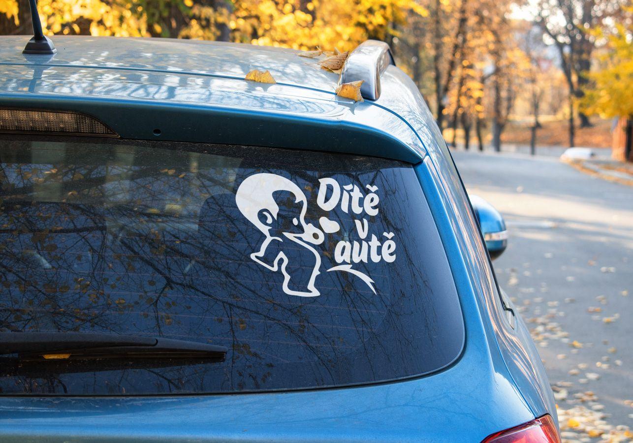 Samolepka na auto Dítě v autě
