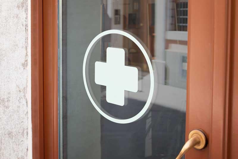 Samolepka Červený kříž