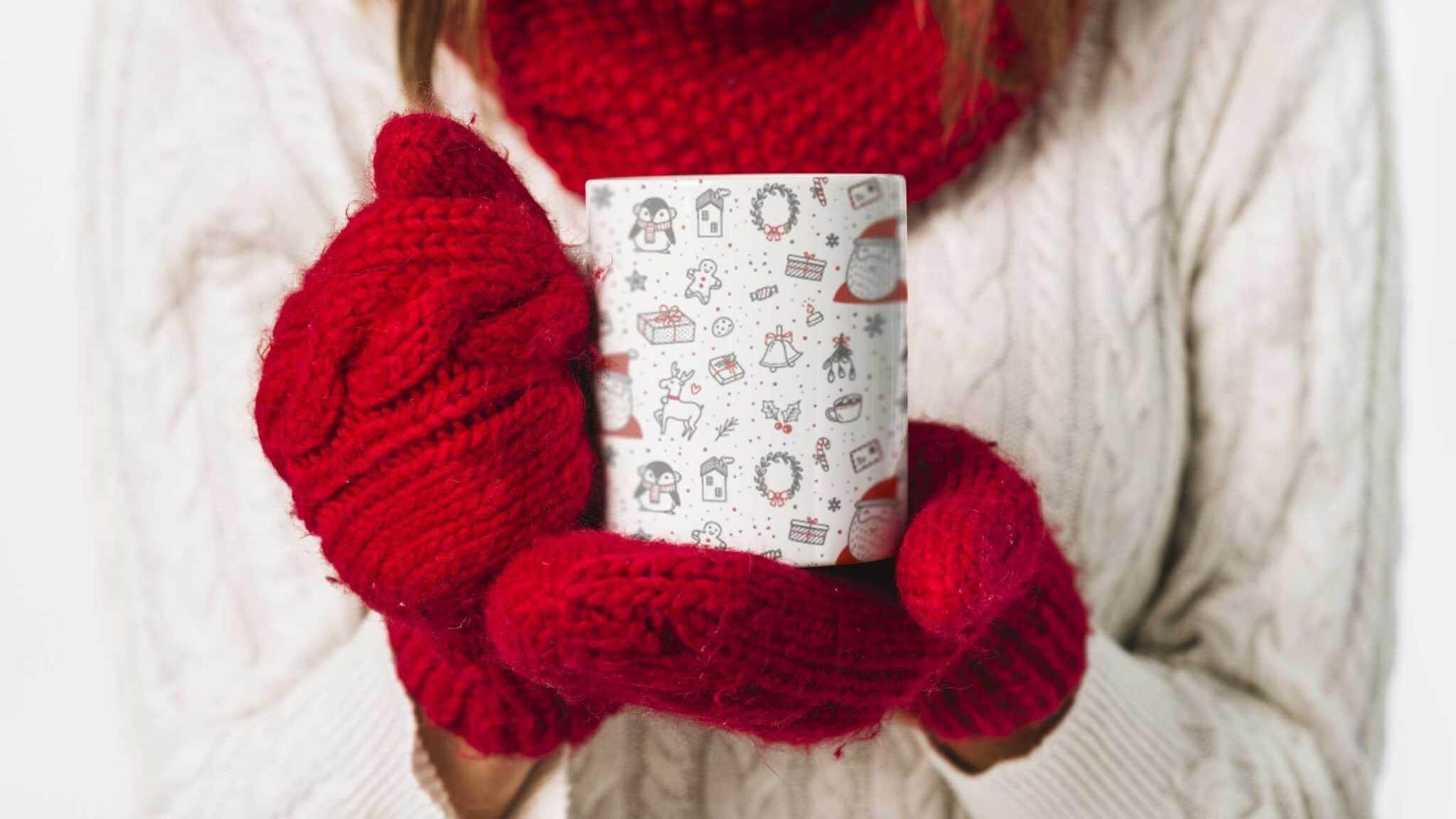 Bílý keramický vánoční hrnekBrno 2019