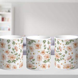 Bílý keramický hrnek s květinami