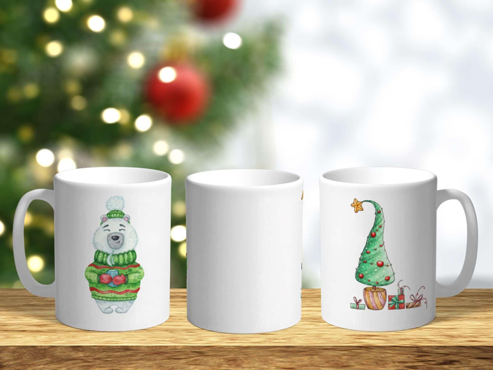 Bílý keramický vánoční hrnek Medvídek a vánoční stromeček