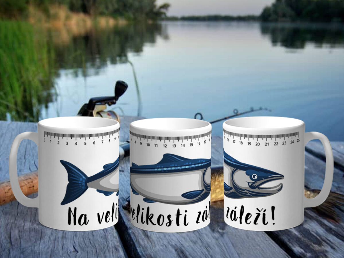 Bílý keramický hrnek pro rybáře Na velikosti záleží!