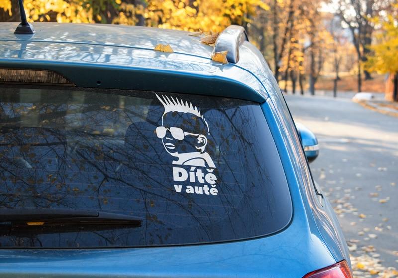 Samolepka Dítě v autě (Punk)
