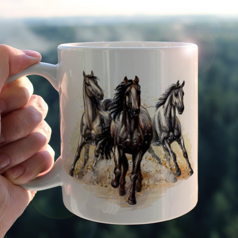 Keramický hrnek Tři koně